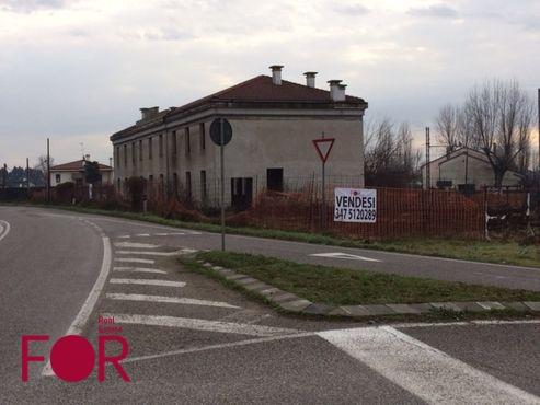 Negozio da ristrutturare a Montagnana (1)