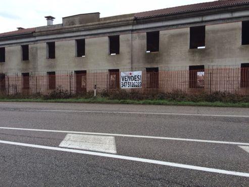 Negozio da ristrutturare a Montagnana (2)