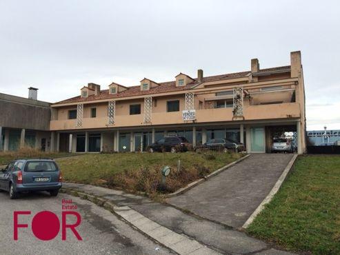 Negozio con abitazione a Cittadella in vendita (1)