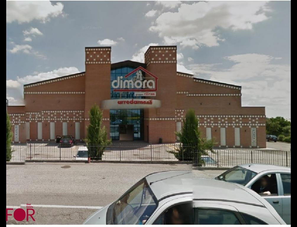 Capannone con Negozio a Rovigo in vendita (1)