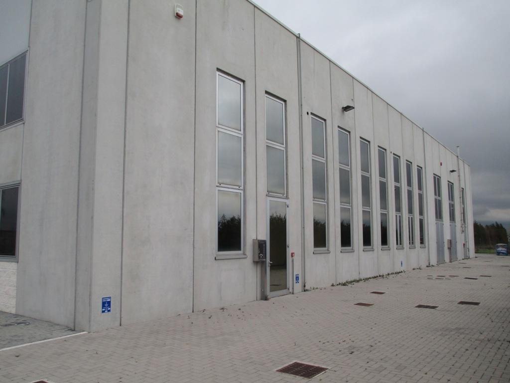 Capannone industriale con uffici a Lendinara 2